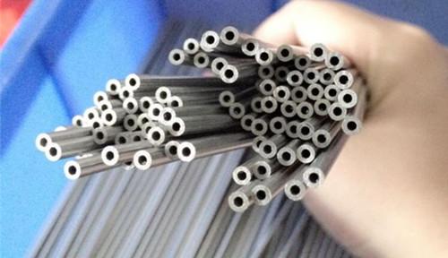 仁成金属生产小口径精密钢管